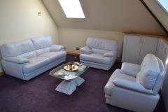 Salon-Lounge-1